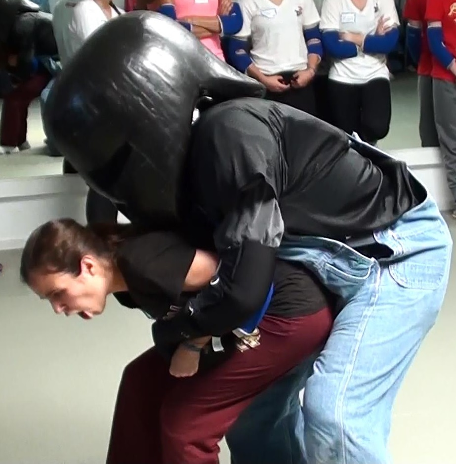 Introductory workshop teaches students basic defense to grab from behind